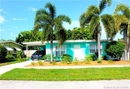 Foto de inmueble con direccion 320 Pinewood Street Lantana FL 33462 con MLS A10894119