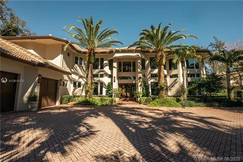 Foto de inmueble con direccion 2668 Riviera Manor Weston FL 33332 con MLS A10814120