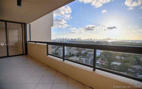 Foto de inmueble con direccion 2555 Collins Ave #2308 Miami Beach FL 33140 con MLS A10773121