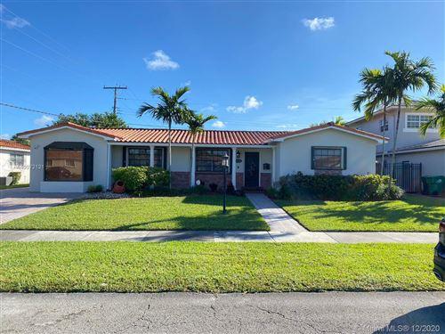 Photo of 1611 SW 99th Pl, Miami, FL 33165 (MLS # A10972121)