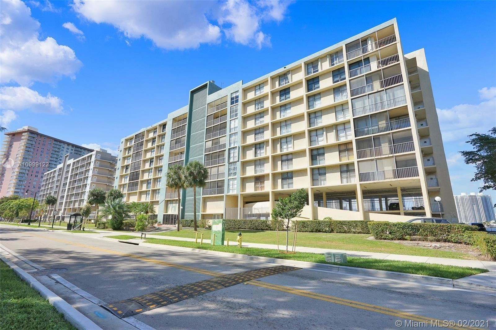 17600 N Bay Rd #N802, Sunny Isles, FL 33160 - #: A10999122