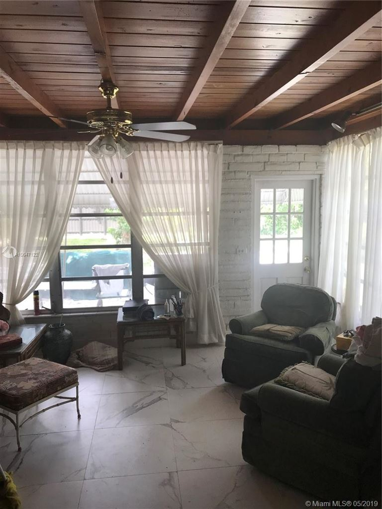Photo 7 of Listing MLS a10647122 in 272 Shadow Way Miami Springs FL 33166
