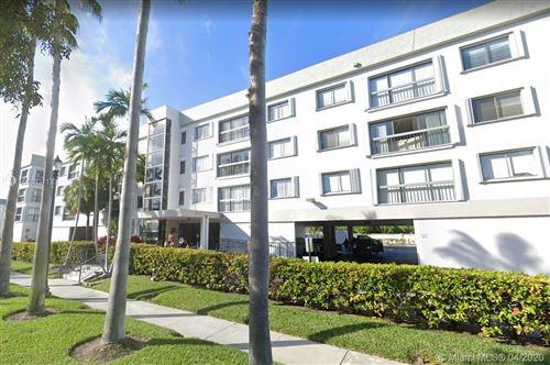 Photo of 255 Galen Dr #2H, Key Biscayne, FL 33149 (MLS # A10837123)