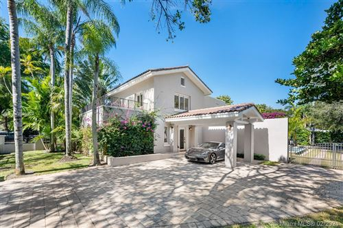 Photo of 735 Escobar Ave, Coral Gables, FL 33134 (MLS # A10995123)