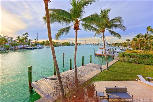 Photo of 425 W Mashta Dr, Key Biscayne, FL 33149 (MLS # A10406124)