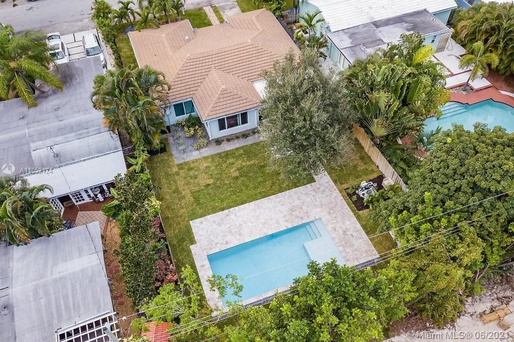 Photo of 1234 N Victoria Park Rd, Fort Lauderdale, FL 33304 (MLS # A11052124)