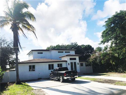 Photo of 924 NE 109th St, Biscayne Park, FL 33161 (MLS # A10954125)