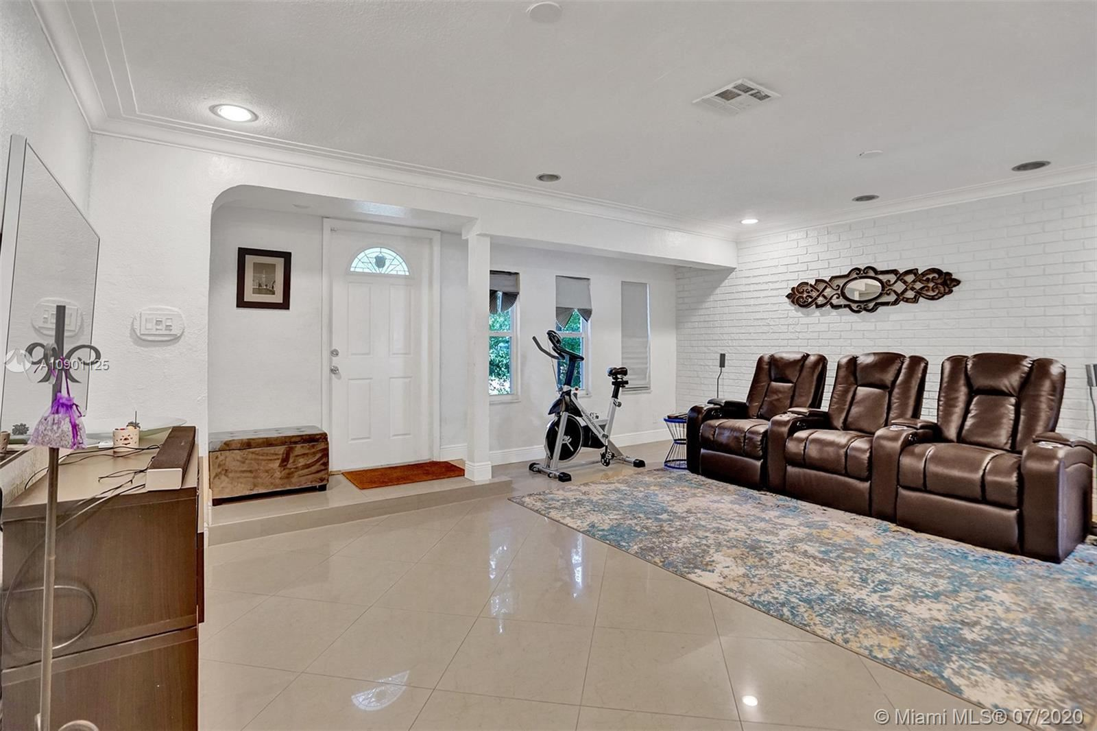 1743 NE 145th St, Miami, FL 33181 - #: A10901125