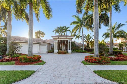 Foto de inmueble con direccion 2547 Royal Palm Way Weston FL 33327 con MLS A10894127