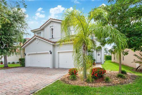 Photo of 1147 NE 37th Pl, Homestead, FL 33033 (MLS # A11078129)