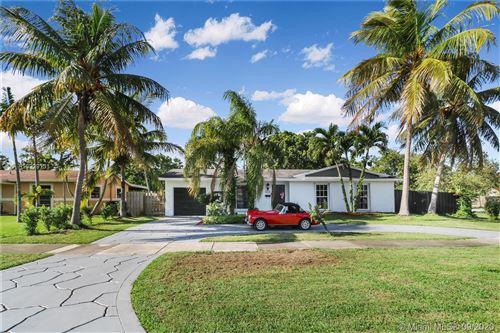 Photo of 9203 SW 182nd St, Palmetto Bay, FL 33157 (MLS # A10929131)