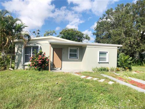 Photo of 269 26th Ave SW, Vero Beach, FL 32962 (MLS # A11022131)