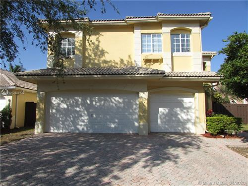 Photo of Listing MLS a10843132 in 6942 NW 107th Pl Doral FL 33178