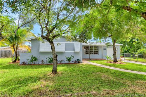 Photo of Listing MLS a10751133 in 9920 Bahama Dr Cutler Bay FL 33189
