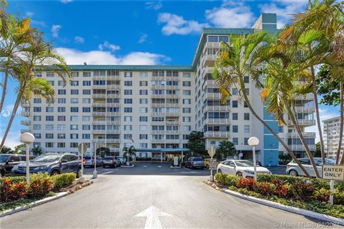 Photo of 4330 Hillcrest Dr #419, Hollywood, FL 33021 (MLS # A11027133)