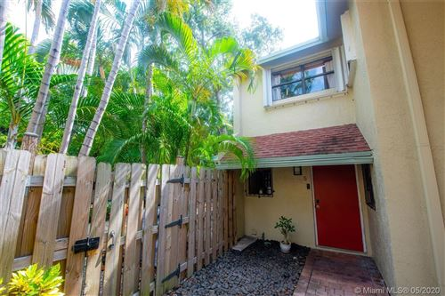 Photo of Listing MLS a10861135 in 499 SE 13th St #5E Fort Lauderdale FL 33316