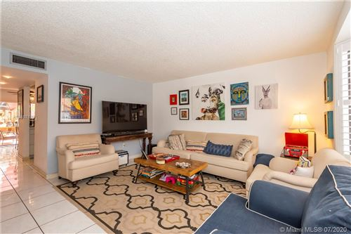 Photo of Listing MLS a10887138 in 10091 SW 77th Ct #10091 Miami FL 33156