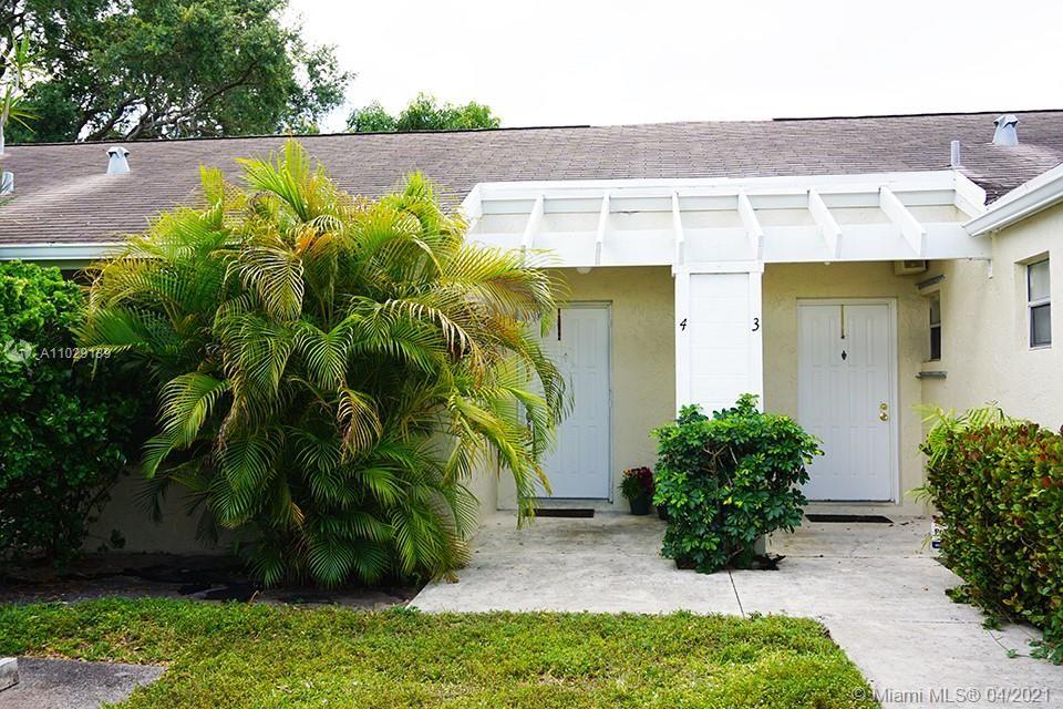 Photo of 886 NE 214th Ln #4, Miami, FL 33179 (MLS # A11029139)