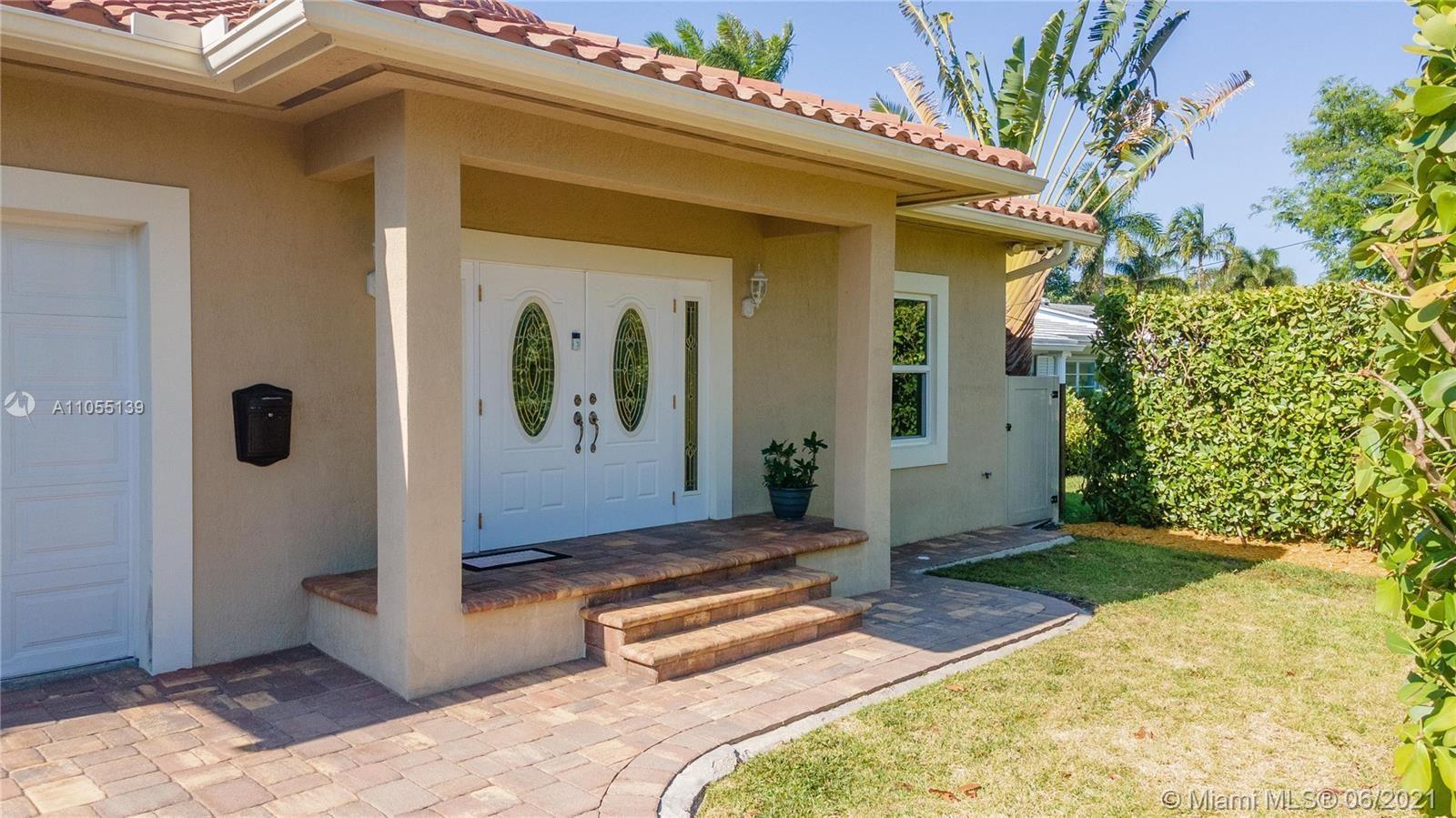 946 N Northlake Dr, Hollywood, FL 33019 - #: A11055139