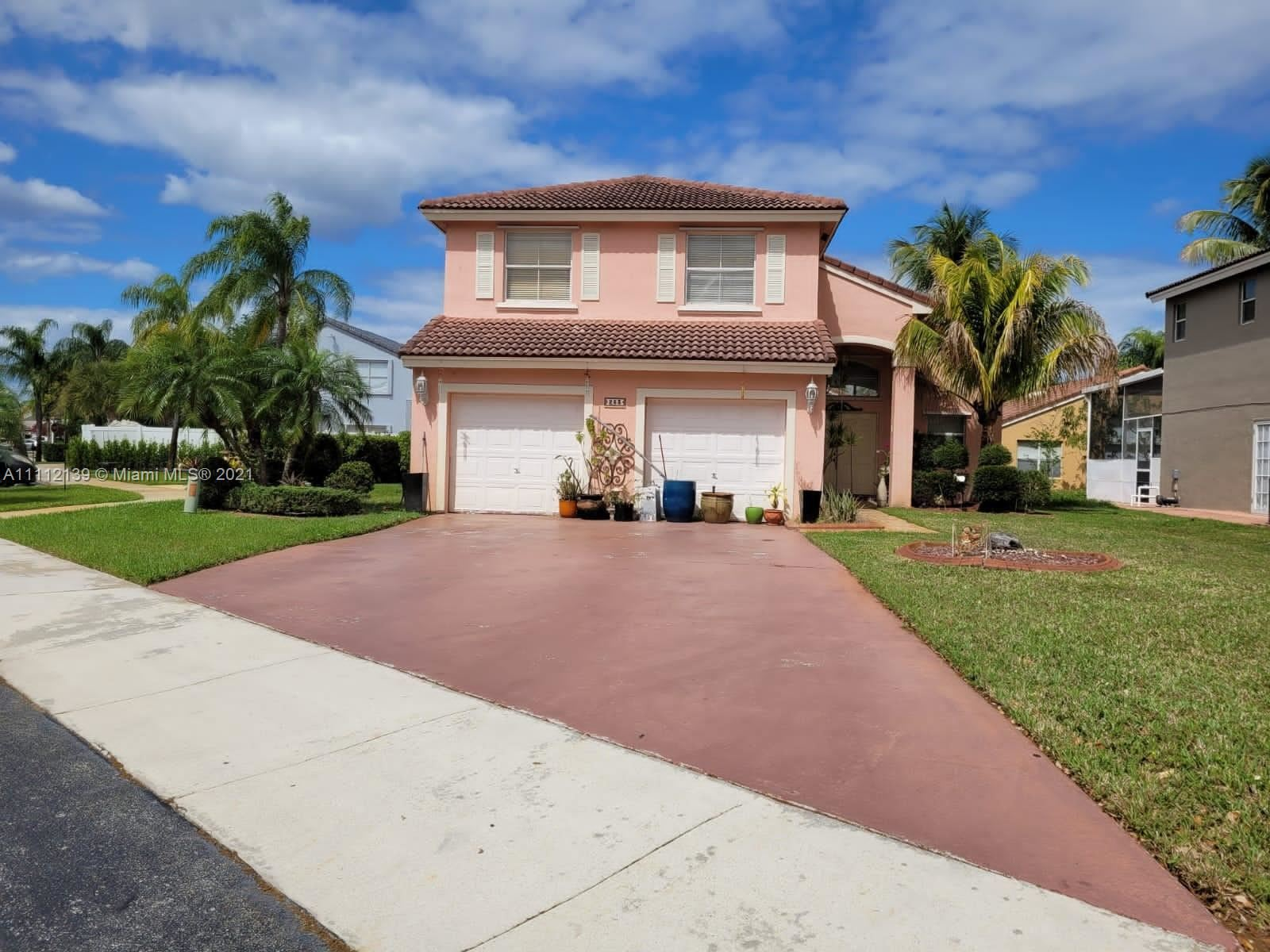 Photo of 253 NW 166th Ave, Pembroke Pines, FL 33028 (MLS # A11112139)
