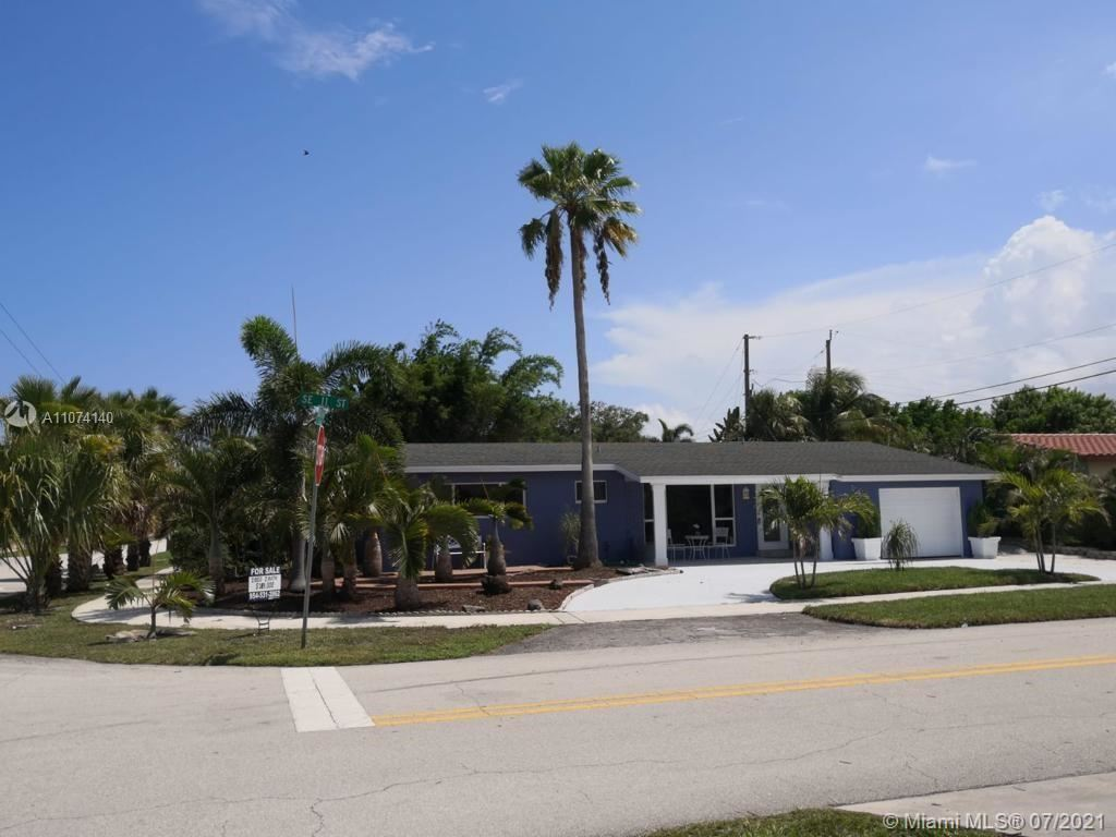 Photo of 340 SE 11 St, Deerfield Beach, FL 33441 (MLS # A11074140)