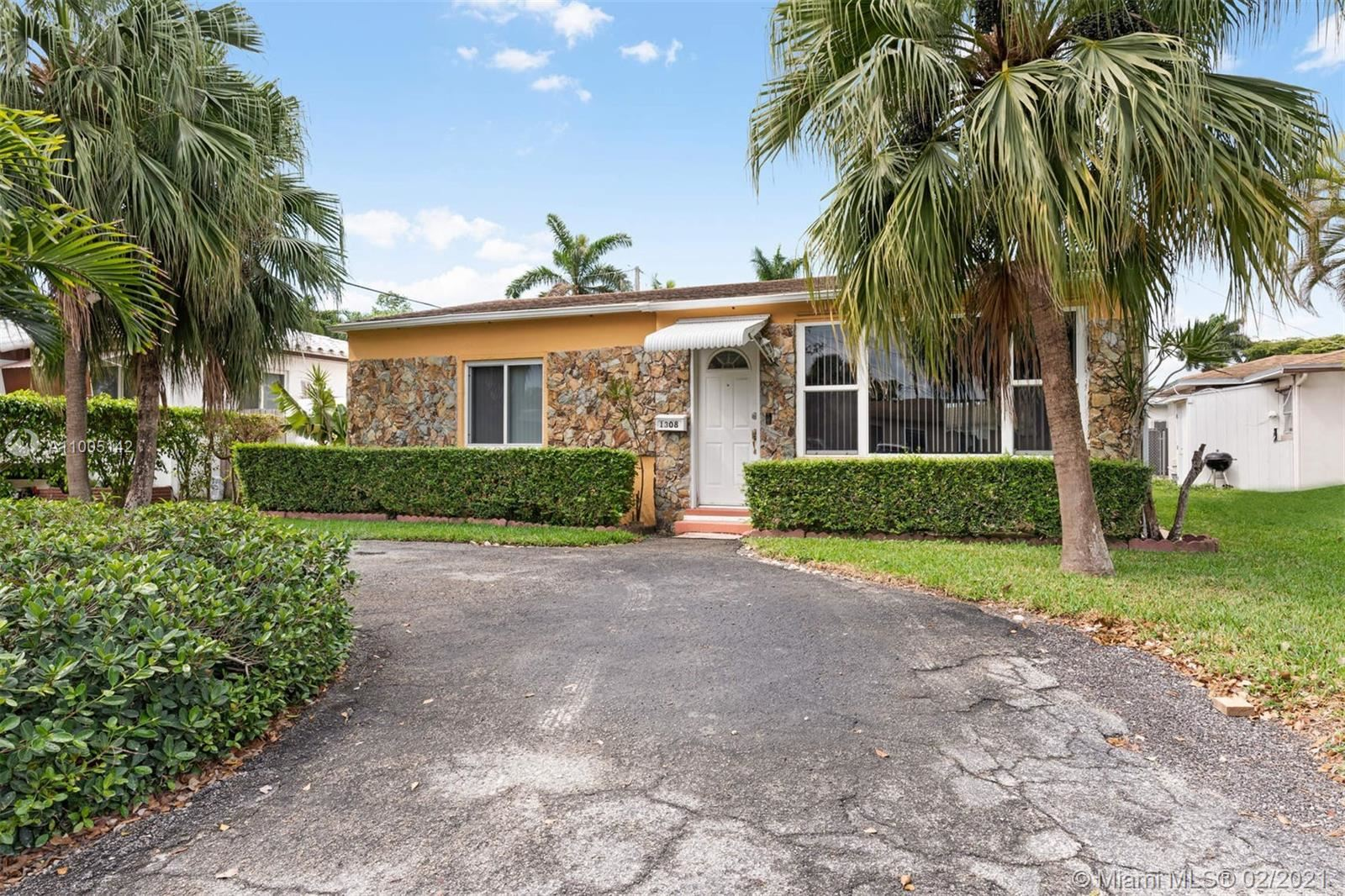 1308 S 19th Ave, Hollywood, FL 33020 - #: A11005142