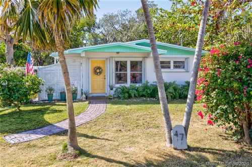 Photo of Listing MLS a10844143 in 47 SE Marlin Ave Key Largo FL 33037
