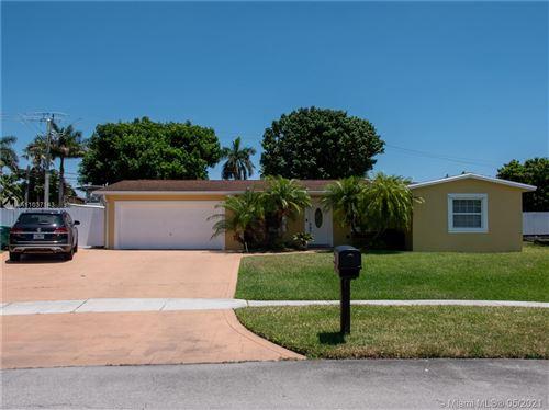 Photo of 8461 NW 185th Ter, Hialeah, FL 33015 (MLS # A11037143)