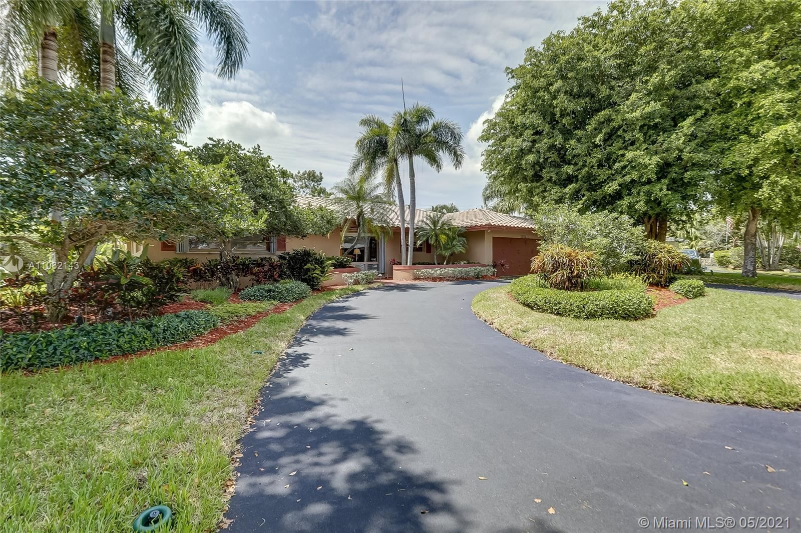 Photo of 2756 NE 37th Dr, Fort Lauderdale, FL 33308 (MLS # A11032143)