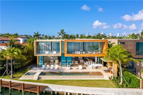 Foto de 825 E Dilido Dr, Miami Beach, FL 33139 (MLS # A10549144)