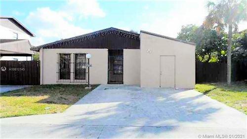 Foto de inmueble con direccion 5256 NW 192nd Ln Miami Gardens FL 33055 con MLS A10812145