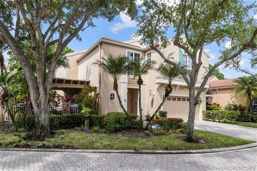 Photo of 38 Via Del Corso, Palm Beach Gardens, FL 33418 (MLS # A11063145)