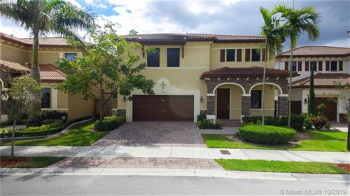 Photo of 9852 NW 87 TER, Doral, FL 33178 (MLS # A10757146)