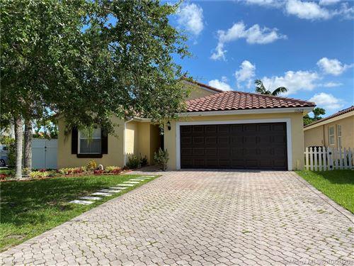 Foto de inmueble con direccion 13529 SW 144th Ter Miami FL 33186 con MLS A10877146