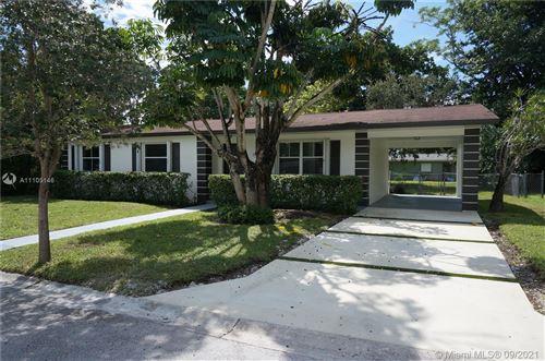 Photo of 216 Jefferson Dr, Coral Gables, FL 33133 (MLS # A11105146)