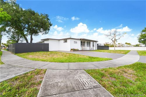 Photo of Listing MLS a10851148 in 3261 SW 41st St West Park FL 33023