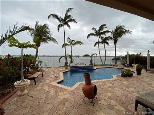 Foto de inmueble con direccion 16340 SW 51 Street Miramar FL 33027 con MLS A10858149