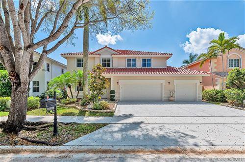 Photo of 3839 Crestwood Cir, Weston, FL 33331 (MLS # A11038151)