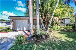 Photo of 911 N Park Rd, Hollywood, FL 33021 (MLS # A10728152)