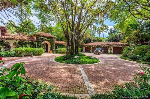 Photo of 6385 Pinetree Drive Cir, Miami Beach, FL 33141 (MLS # A11048153)