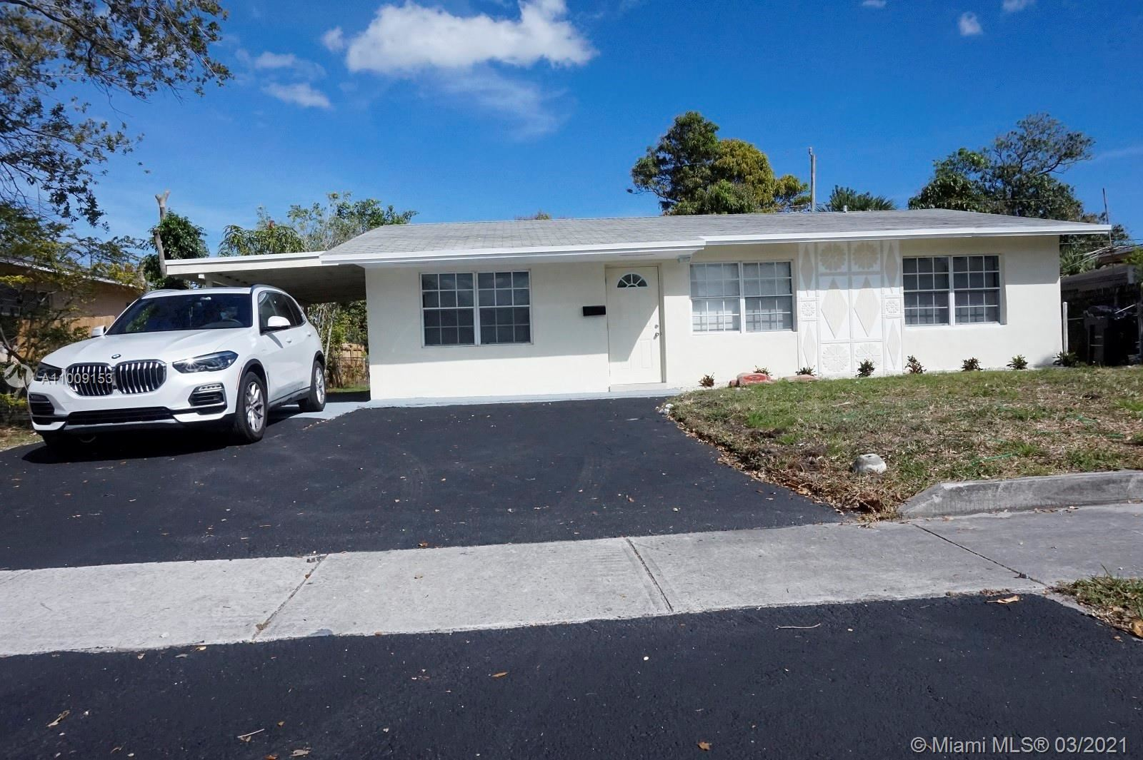 Photo of 450 SW 31st Ave, Fort Lauderdale, FL 33312 (MLS # A11009153)