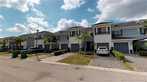 Photo of Listing MLS a10808154 in 3432 NW 13 st #3432 Lauderhill FL 33311
