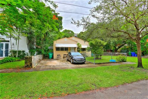 Photo of Listing MLS a10897155 in 2613 Inagua Ave Coconut Grove FL 33133