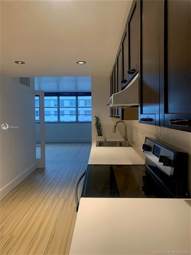 Photo of Listing MLS a10869156 in 999 Brickell Bay Dr #1106 Miami FL 33131