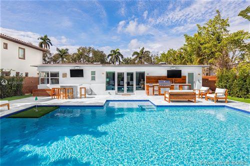 Photo of 5225 N Bay Rd, Miami Beach, FL 33140 (MLS # A10933156)