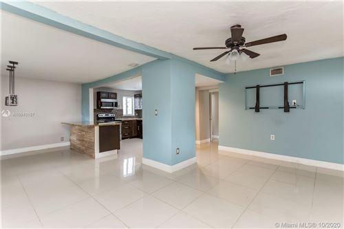 Foto de inmueble con direccion 3171 NW 170th St Miami Gardens FL 33056 con MLS A10943157