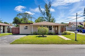 Photo of 913 N 32nd Ave, Hollywood, FL 33021 (MLS # A10658158)