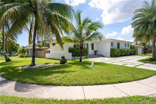Photo of 12580 Croton Rd, North Miami, FL 33181 (MLS # A10735160)