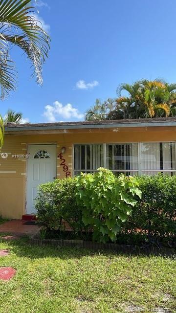 Photo of 4296 SW 49th St, Dania Beach, FL 33314 (MLS # A11086161)