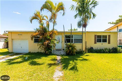 Foto de inmueble con direccion 14697 S Biscayne River Dr Miami FL 33168 con MLS A10857163